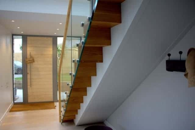 Point Fixed Glass Timber Staircase