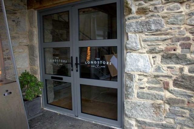 Aluminium commercial doors