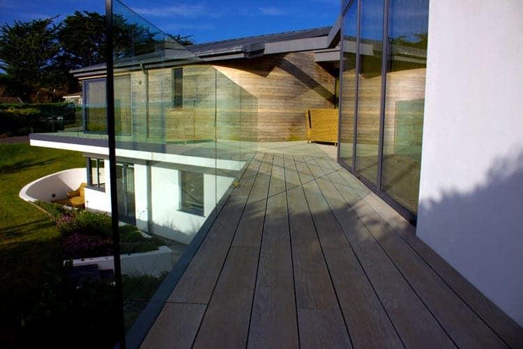 Frameless Glass Balustrade on walkway