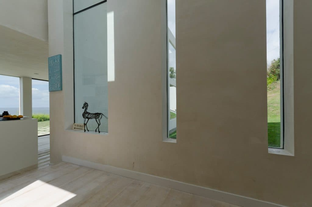 thin long frameless architectural windows