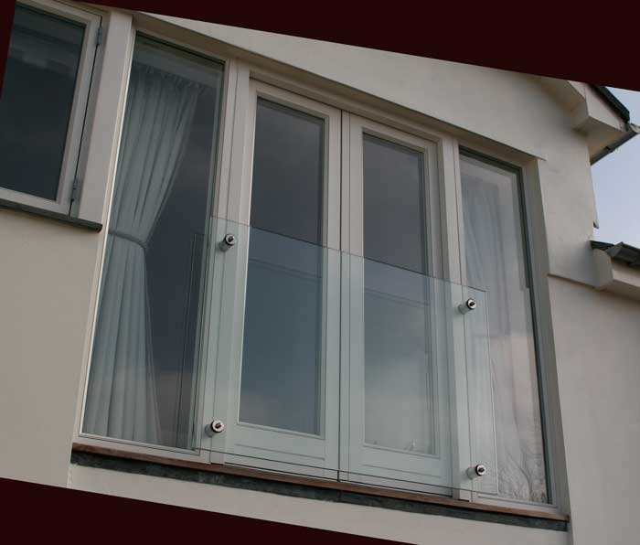 Juliet balcony glass balcony systems cornwall devon for Juliet balcony