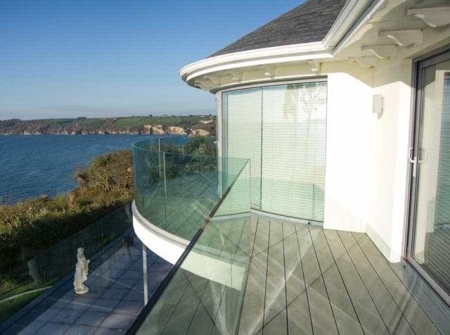 Frameless Curved Glass Balustrade