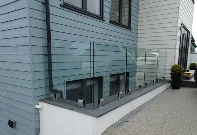 Spigot Frame less Glass Balustrade