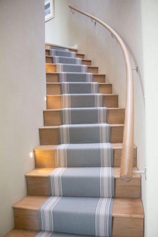 Oak Staircase with Oak Handrail