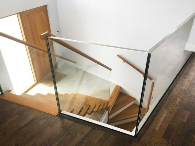 Timber tread stairs with glass balustrade