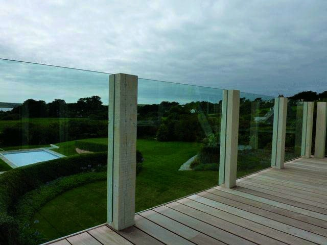 Timber post and glass balustrade