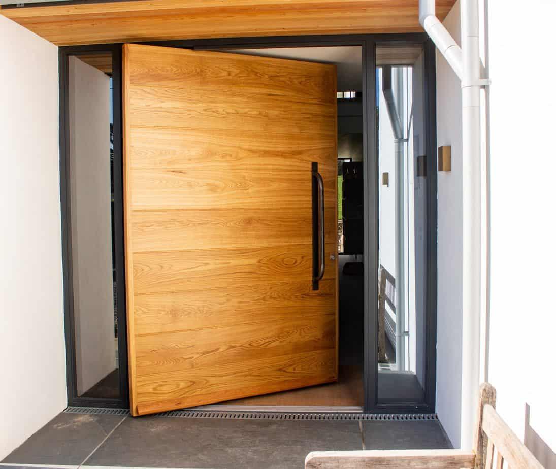 Contemporary Entrance Door Pivot